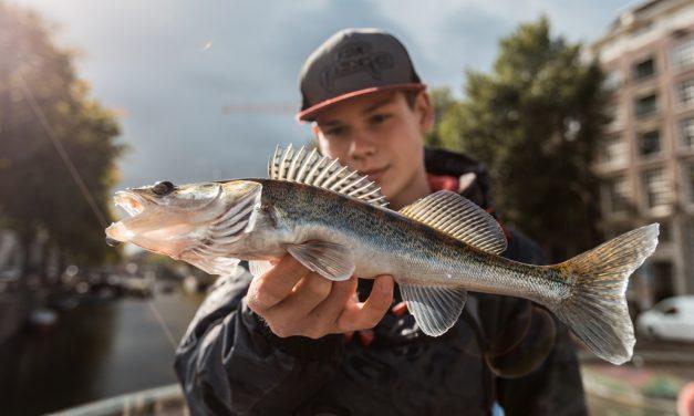 ***Video-Kijk-Tip*** Streetfishing in Amsterdam