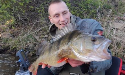 PR baars tijdens het vissen op meerval – Florian Kappen