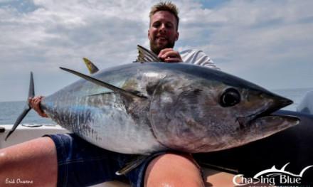 Vissen op Mahi mahi, tonijn en amberjack voor de kust van Spanje