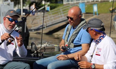 Buzzy bee Michael Stalenhoef – Gidsen, wedstrijden en vissen met opie